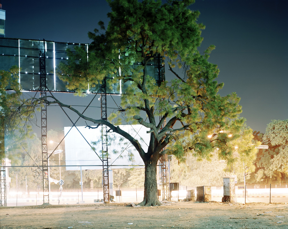 Untitled (Law Garden-2, Ahmedabad, India, 2010, from the series 'pikari')